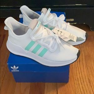 ⭐️ NWT Adidas U Path Running Sneakers